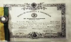 Diploma Escola de Pharmacia e Odontologia
