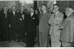 Seminário Latino-Americano de Prevenção do Delito e Tratamento do Delinquente. Visita ao Governador Lucas Nogueira Garcez (abril de 1953). Fala o Dr. Loureiro Júnior. Secretário da Justiça