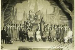 """Ao Exmo Fm. Dr. José A. Cesar Salgadfo e mais membros da delegação do M.M.A.C. a """"Casa do Soldado"""" offerece Bebedouro 11-8-1932"""