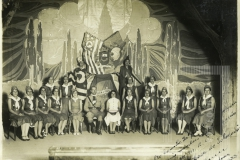 """Ao Exmo Fm. Dr. José A. Cesar Salgadfo e mais membros da delegação do M.M.A.C. a """"Casa do Soldado"""" offerece Bebedouro 11-8-1933"""