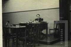 Na 1ª Promotoria Pública da Capital em 1930. Palácio da Justiça, São Paulo