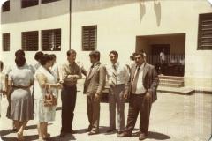 Grupo de pessoas em área aberta do Instituto João Gomes de Araújo