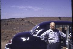 Homem, veículo e paisagem