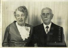 Festa de aniversário de Dª Elvira de Paula Machado Cardoso ao lado de Dr. João Pedro Cardoso