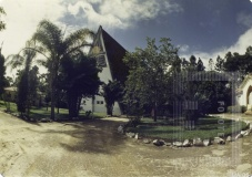 Vista externa da Igreja Sagrados Corações